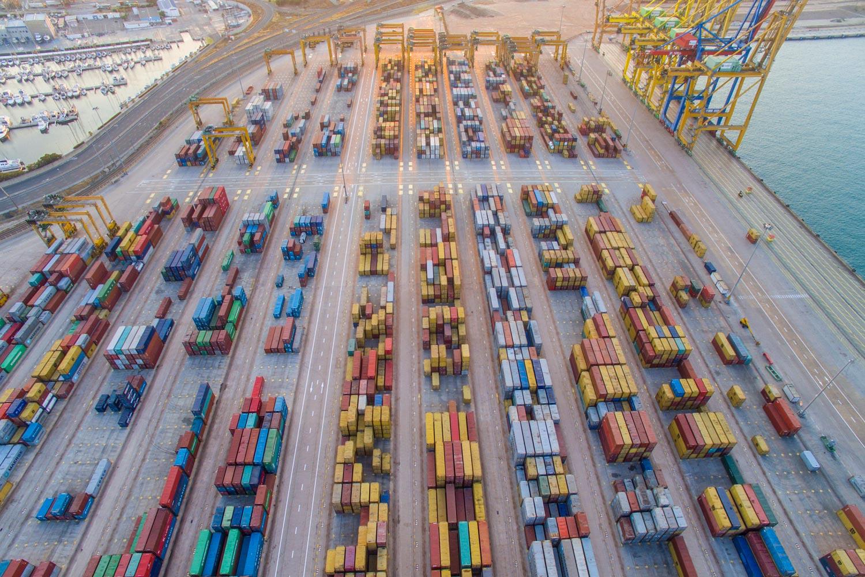 Hafen_mit_Container